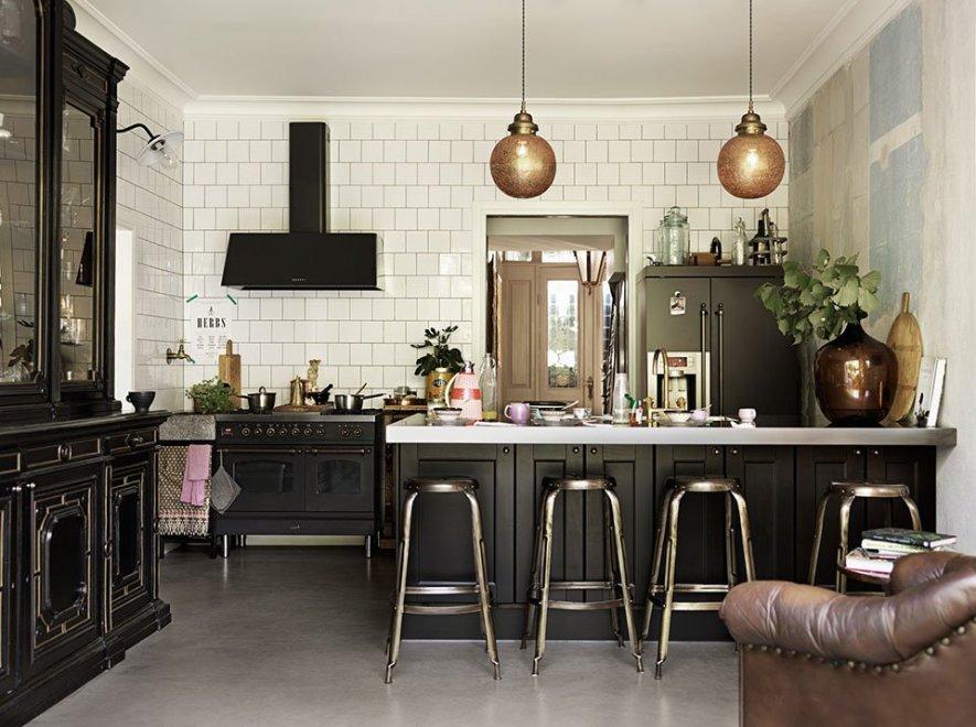 casa-sueca-rehabilitada-cocina-barra-1