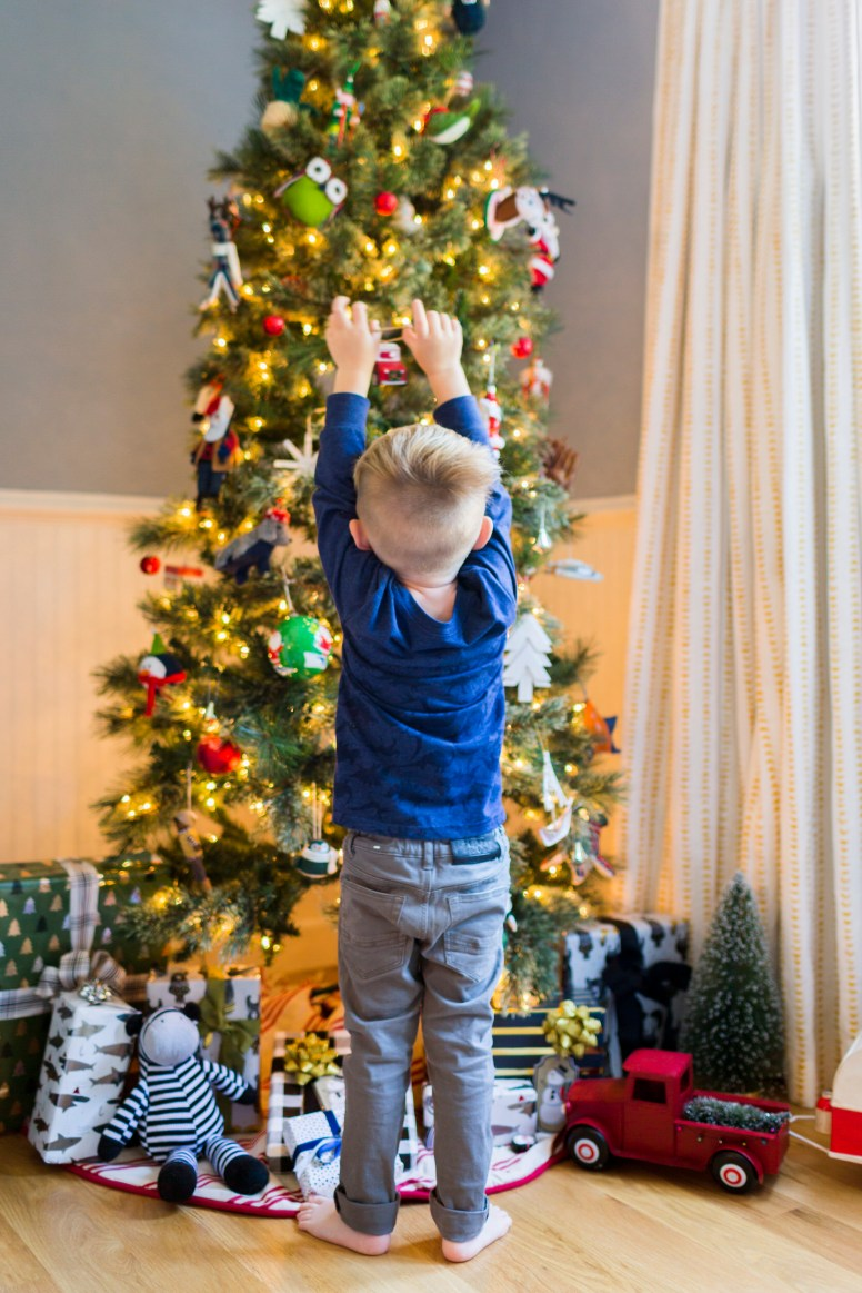 Emily-Henderson-Christmas-Decorating-Little-Boys-Room-132.jpg