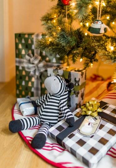 Emily-Henderson-Christmas-Decorating-Little-Boys-Room-51