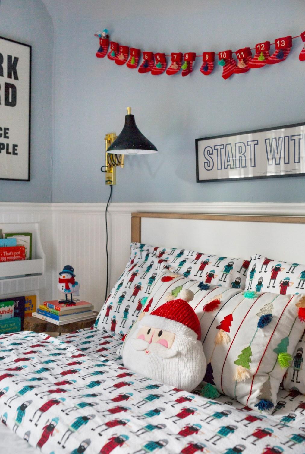 Emily-Henderson-Christmas-Decorating-Little-Boys-Room-91