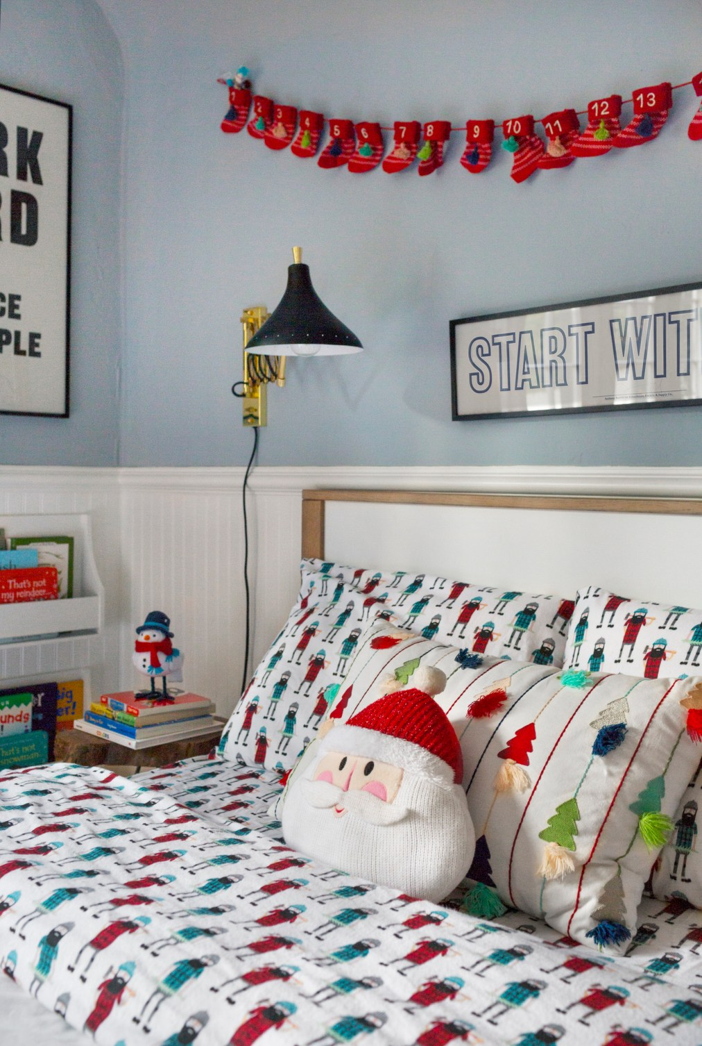 Emily-Henderson-Christmas-Decorating-Little-Boys-Room-91