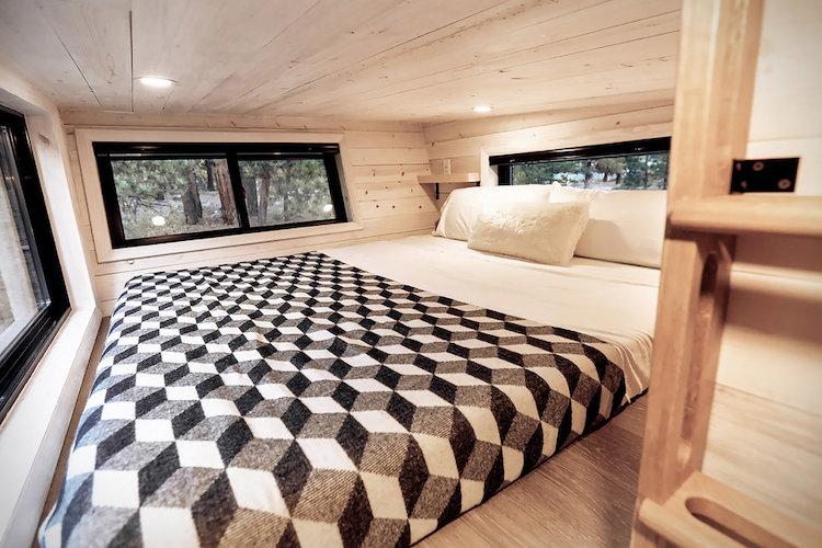 land-ark-modern-trailer-4